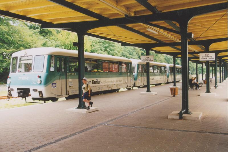Ferkeltaxe im Bahnhof Heringsdorf