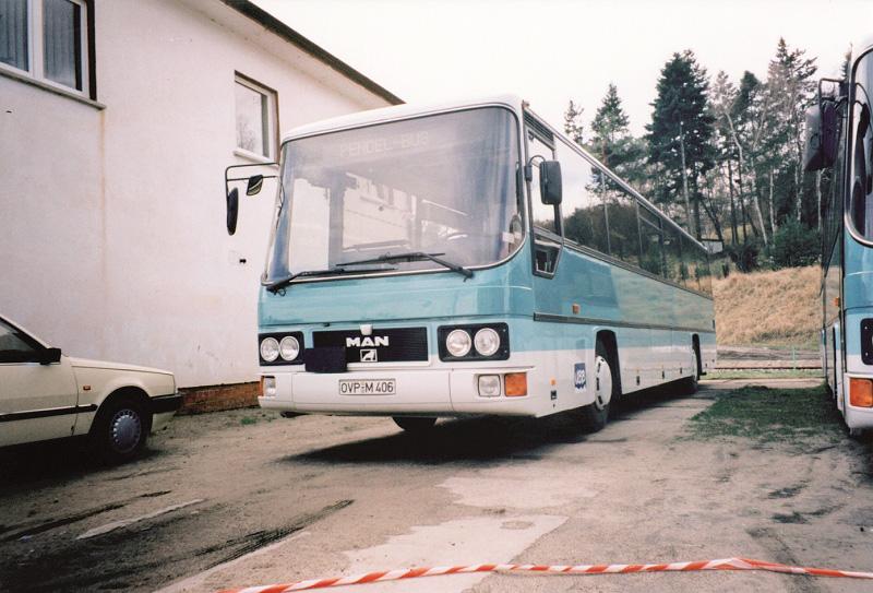 Erster Bus der UBB in mintgrün.