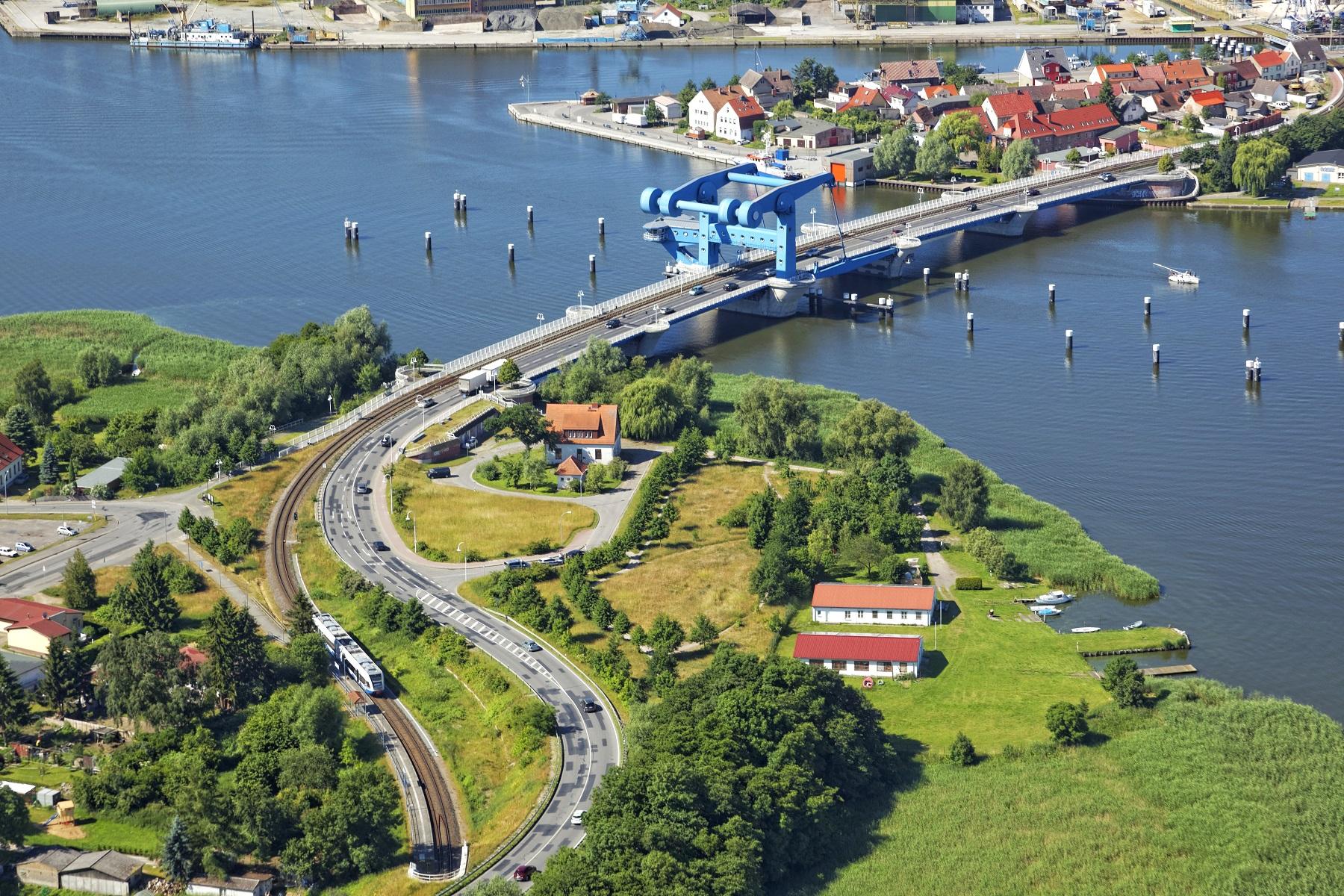 Die blaue Brücke in Wolgast.