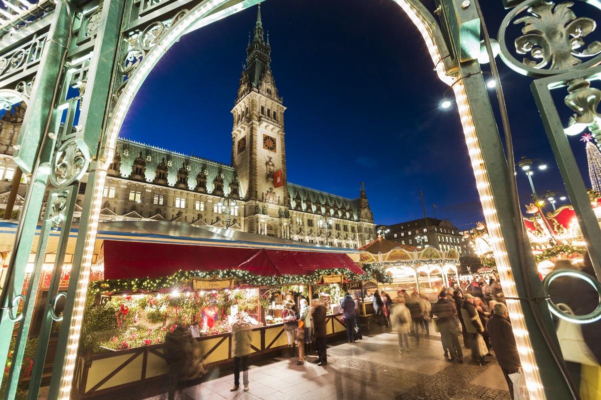 Alsterarkaden; Binnenalster; Deutschland; Europa; Hamburg; Jungfernstieg; Rathaus; Rathausmarkt; Weihnachtsmarkt