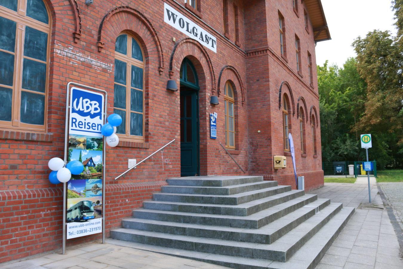 Eingang außen UBB Reisen