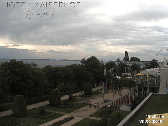 Webcam Blick auf den Heringsdorfer Rosengarten und die Seebrücke